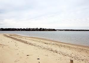 Five minute walk to Lagoon