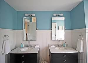 Bunk bedroom bathroom