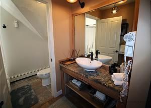 Second floor QueenTwin bathroom