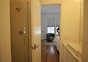 First floor Queen bedroom bath