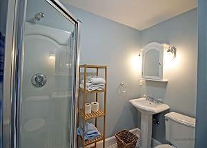 First floor twin bedroom bath