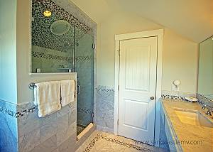 Another view of Queen  Twin bedroom bathroom