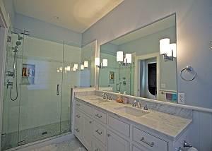 First floor King bathroom