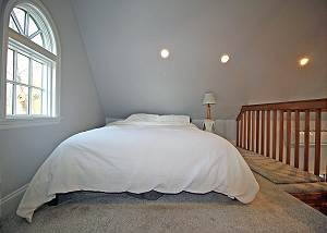 Loft in first floor suite bedroom