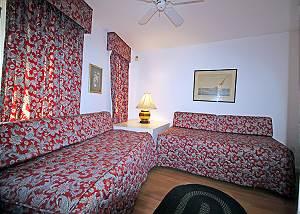 1st Floor Daybed Bedroom