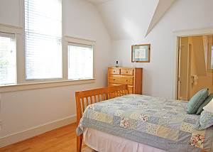 Another picture of second floor Queen bedroom