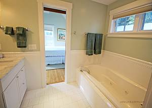 Guest cottage bath