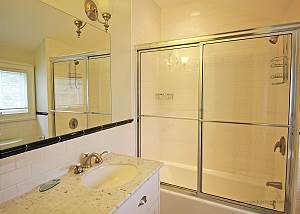 King bedroom bath