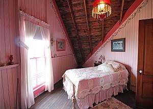 3rd Floor Twin Bedroom