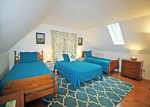 Second floor 2 Twin1 Full bedroom