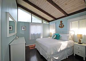 Second floor King bedroom