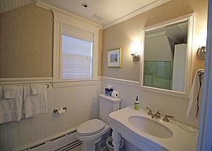 Second floor Queen bathroom