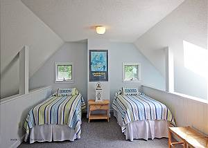 Loft with Twin beds
