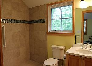First floor Queen bedroom bathroom