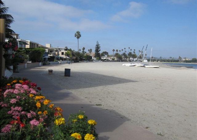 Robin's Nest - San Diego, California