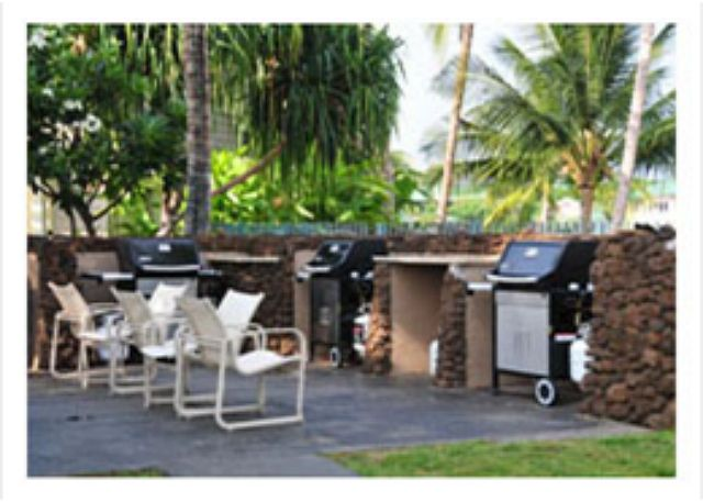 Plenty of grills located  near the pool!