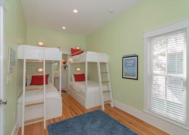 Dual Bunk Room (Sleeps 4)