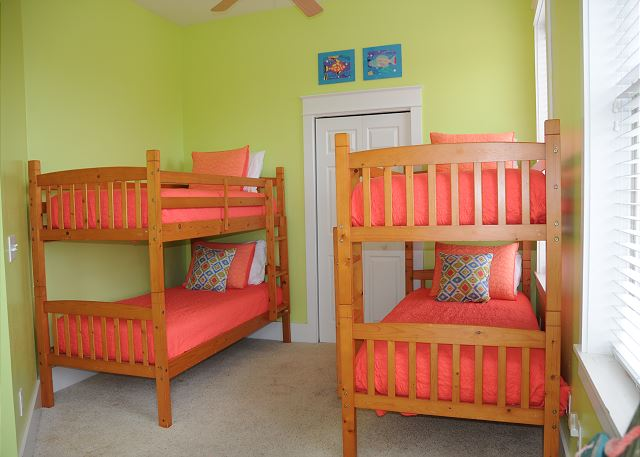 Kids Bunk Room (Sleeps 4)