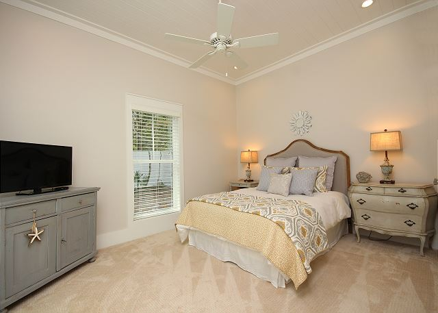 Queen Guest Room with Flat Screen TV