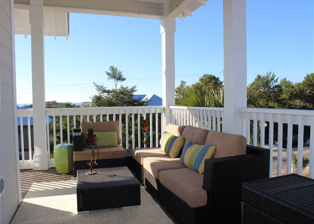 Private Upstairs Balcony with Gulf Views!