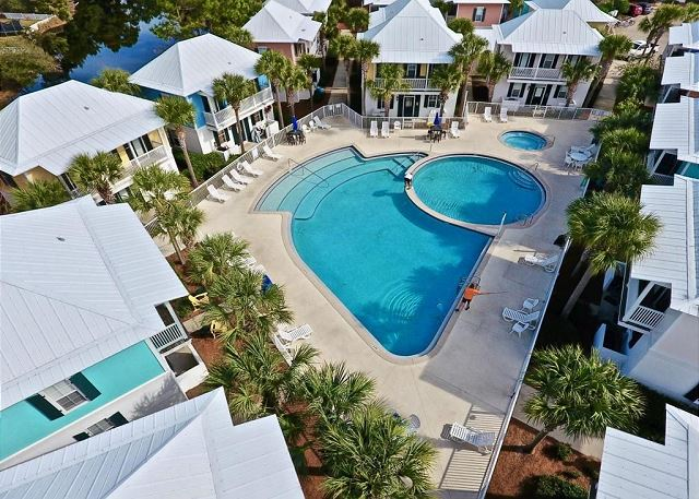Bugalows at Seagrove - Private Community Pool & Hot Tub