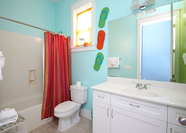 Shared Guest Bathroom