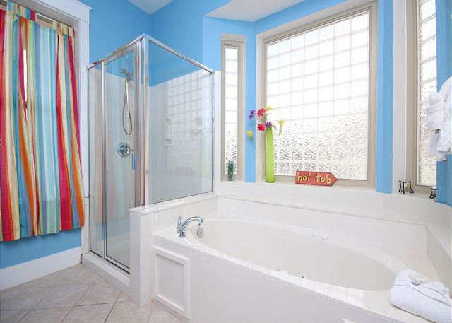 King Master Bath with Separate Tub/Shower