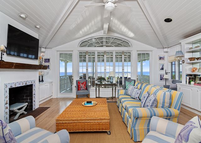 Upstairs Living Room with Stunning Gulf Views!