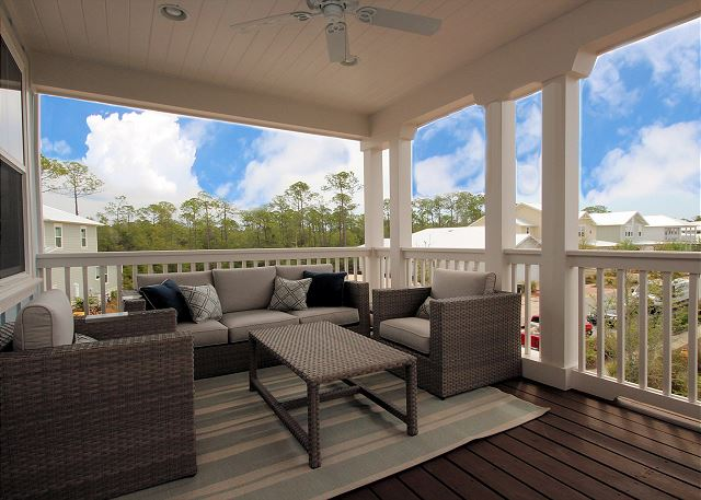 Upstairs Balcony Lounging Space