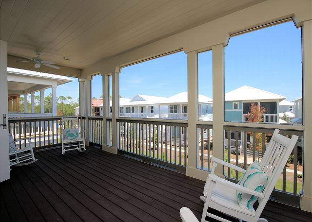 Upstairs Screened Balcony (4 rocking chairs)