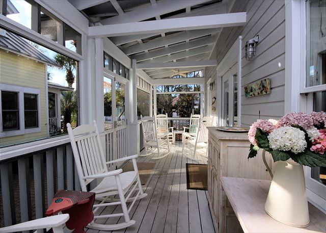 Large porch!