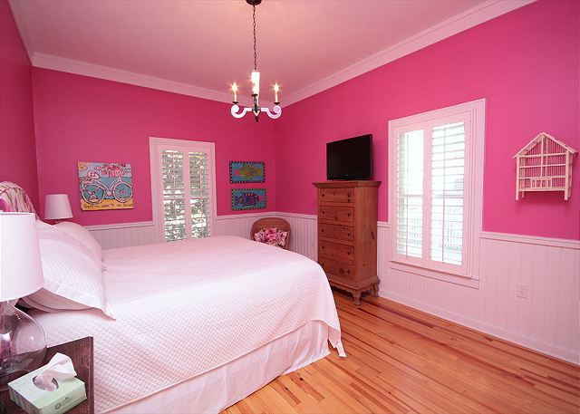King Guestroom with Flat Screen TV