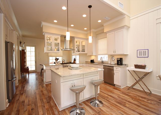 Gourmet Kitchen with Bar Seating for 2