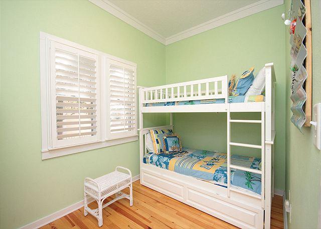 Kinds Bunk Room (Sleeps 2)