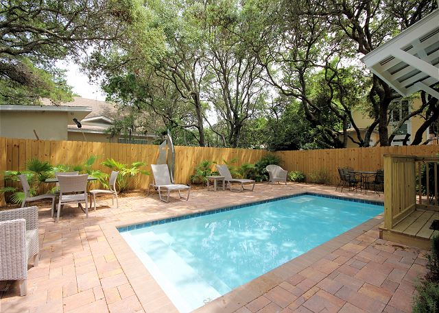 Brand New & Beautiful Private Pool!
