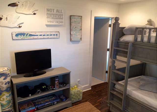Bunk Room with TV