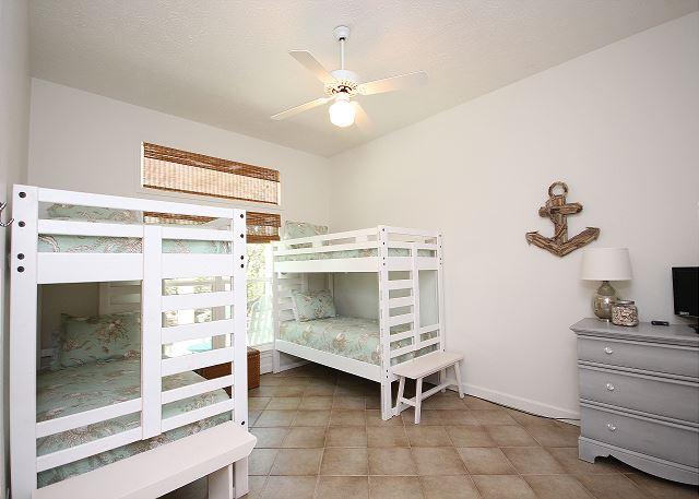 Bunk Room (Sleeps 4)