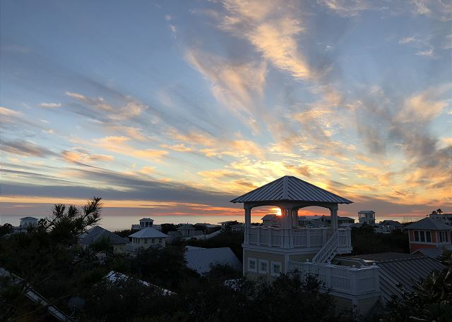 Spectacular Sunset Rooftop Views!