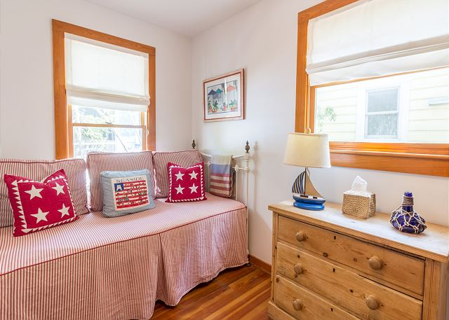 2nd Guest Bedroom with Bunk & Trundle
