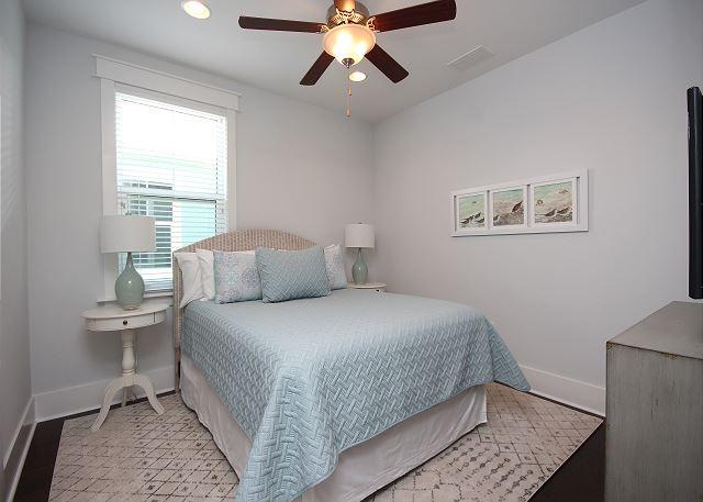 Queen Guest Bedroom Upstairs with Smart TV