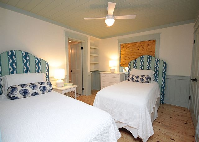 Dual Twin Guestroom on Main Level with Private Bath