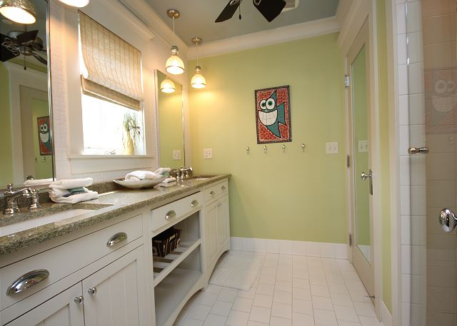Kids Bunk Room Bathroom (shower only)