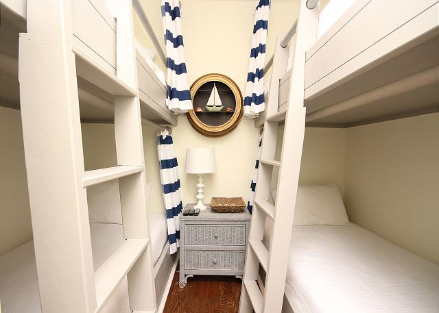 Bunk Room (sleeps 4)