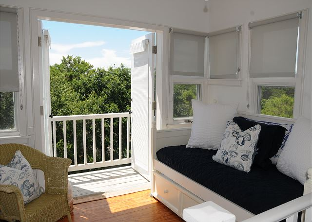 Upstairs Tower Bedroom with Gulf Views!