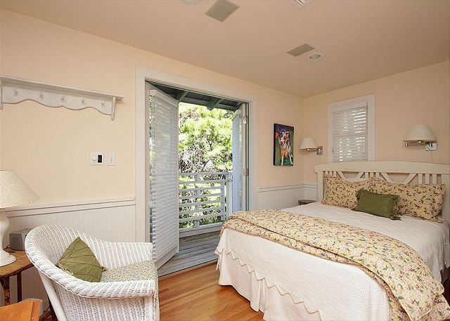 Queen Master Bedroom with Private Balcony