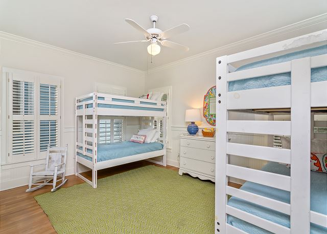 Downstairs Dual Bunk Room (Sleeps 4)