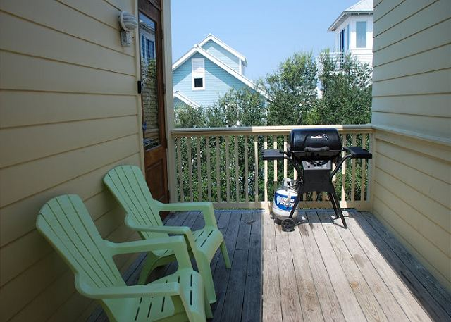 Outdoor Balcony with BBQ Grill