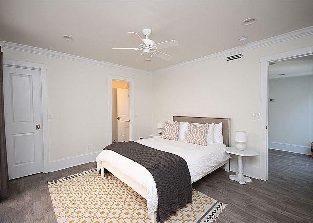 Queen Guestroom Downstairs
