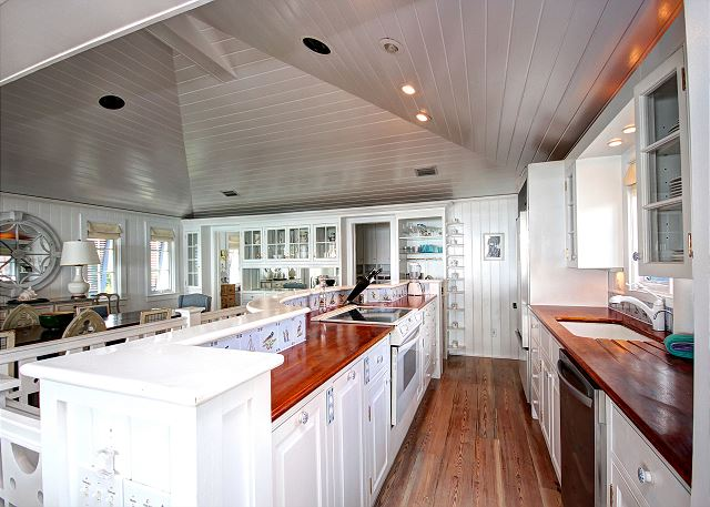 Gourmet Galley Kitchen