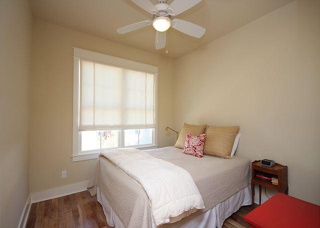 Guest Cottage Queen Bedroom